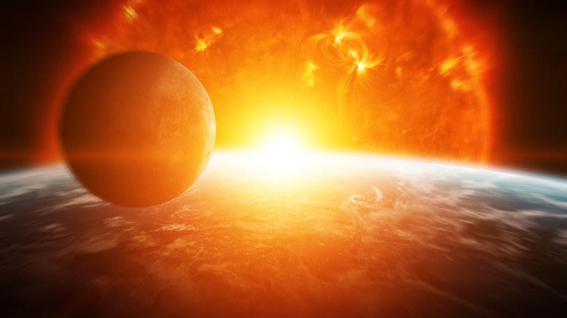 Naukowcy odkryli niezwykły układ egzoplanet /123RF/PICSEL
