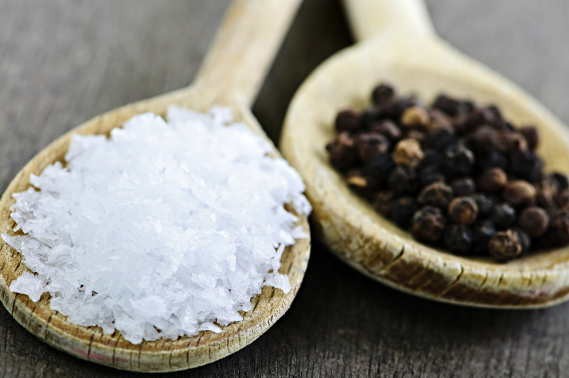 Naukowcy ostrzegają o ograniczeniu spożycia soli kuchennej /© Glowimages