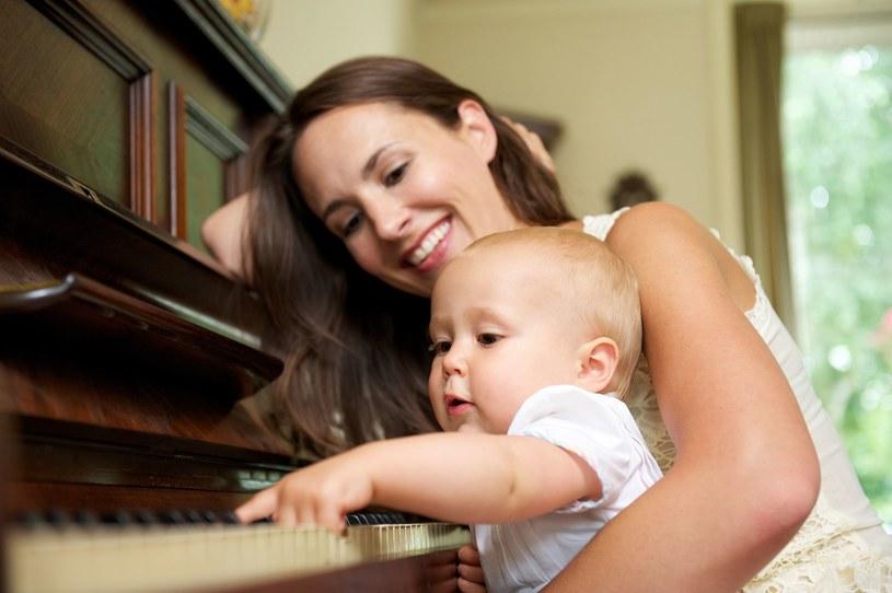 Naukowcy potwierdzają korzystny wpływ muzyki na kreatywność /123RF/PICSEL