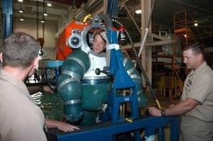 Navy szuka skafandra, który pozwoli nurkować na głębokości 300 metrów
