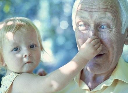 Nawet dziadkowie nie powinni rozpieszczac malucha