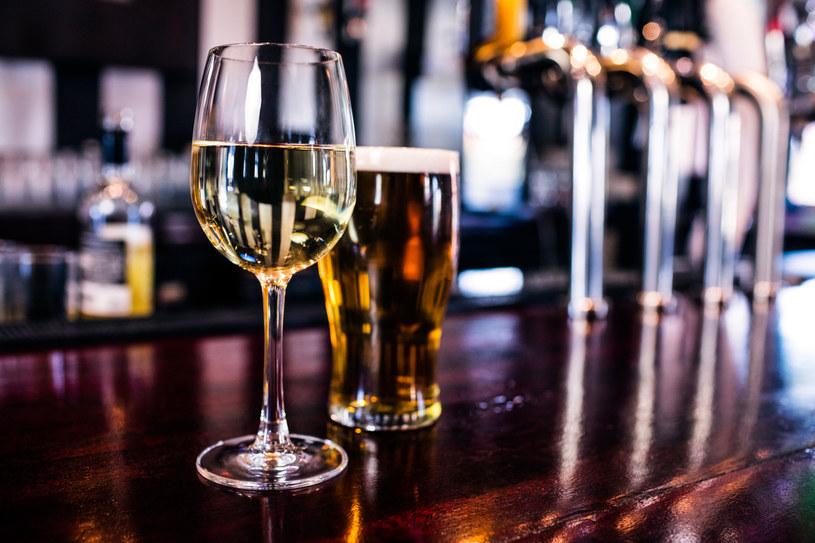 Nawet odrobina alkoholu może prowadzić do raka /©123RF/PICSEL