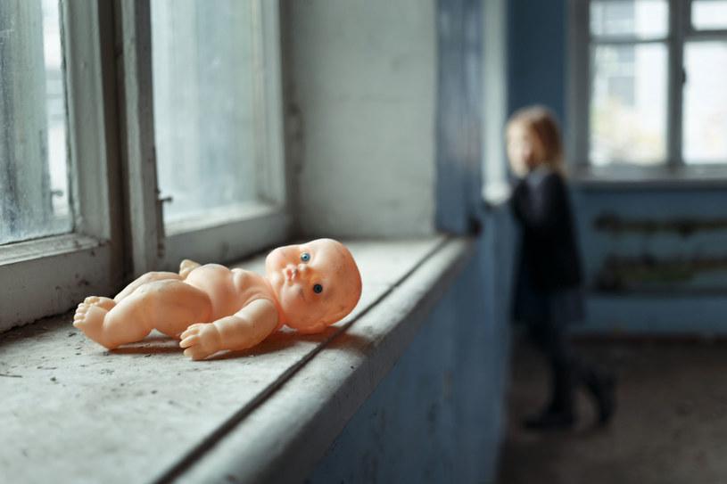 """""""Nawet sobie nie zdajemy sprawy z tego, jak wygląda życie w rodzinie dysfunkcyjnej"""" /©123RF/PICSEL"""