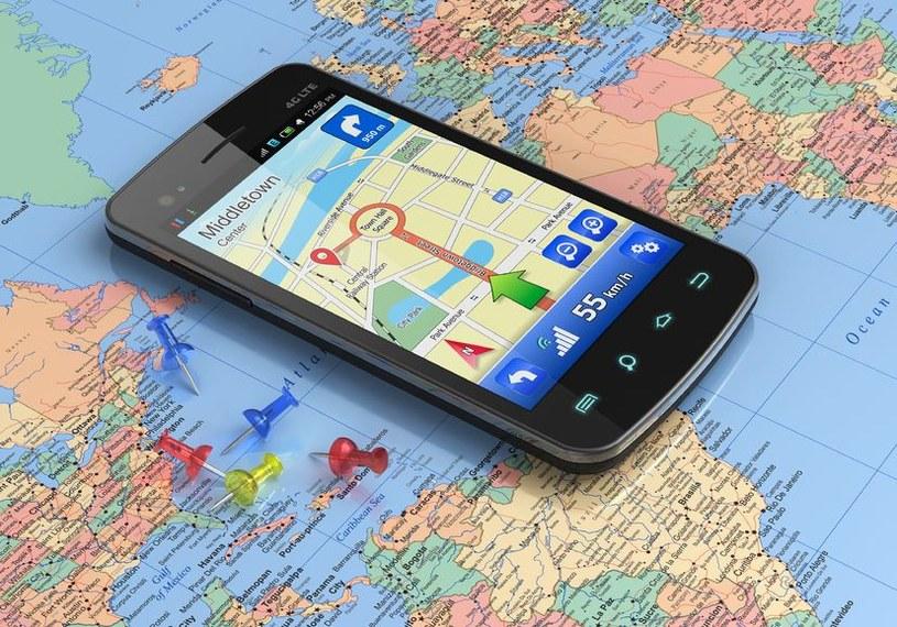 Nawigacje samochodowe przegrały rywalizację ze smartfonami. /©123RF/PICSEL