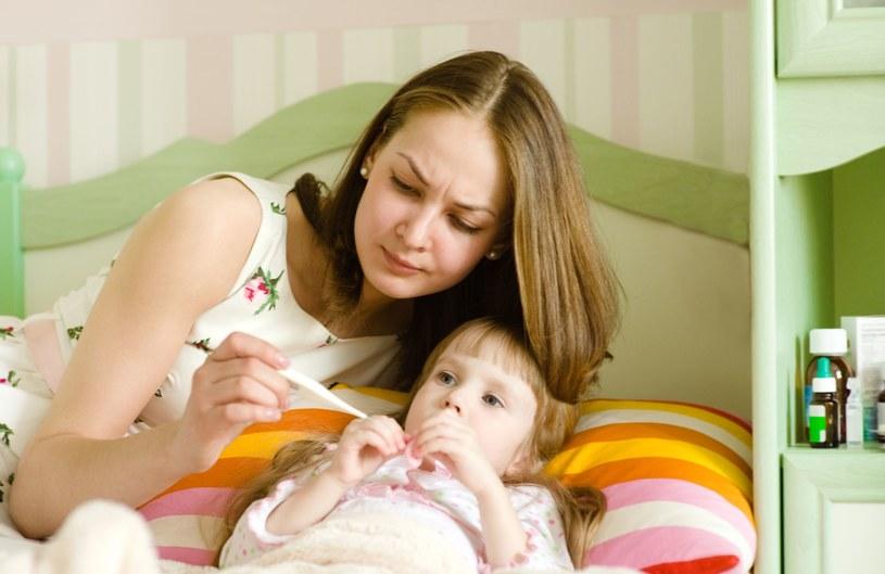 Nawracające infekcje gardła mogą stanowić poważne zagrożenie dla zdrowia dziecka /123RF/PICSEL