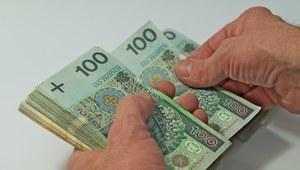 Negocjowanie wynagrodzenia - problem dla 85 proc. Polaków