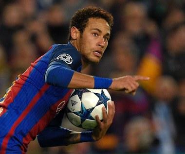 Neymar symuluje kontuzje, by imprezować z siostrą?