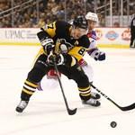 NHL. Broniący tytułu Penguins znów przegrali