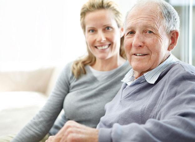 Nic nie poradzę na to, że wolę starszych /©123RF/PICSEL