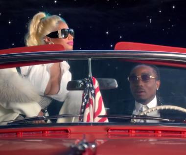 "Nicki Minaj i Quavo w teledysku ""She For Keeps"""