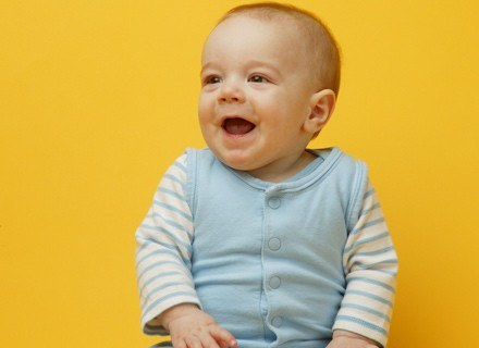 Nie bagatelizuj braku pierwszych ząbków u rocznego dziecka. /ThetaXstock