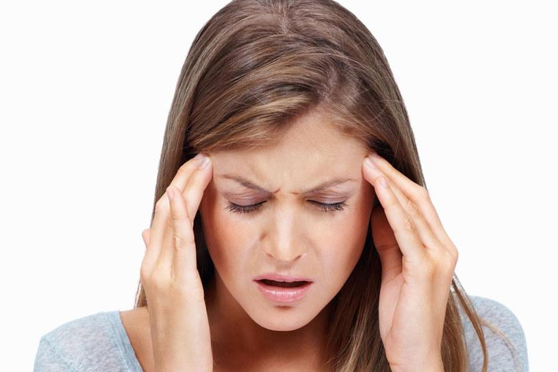 Nie ignoruj uporczywych bólów głowy - to może oznaczać problemy z zatokami /  - /©123RF/PICSEL