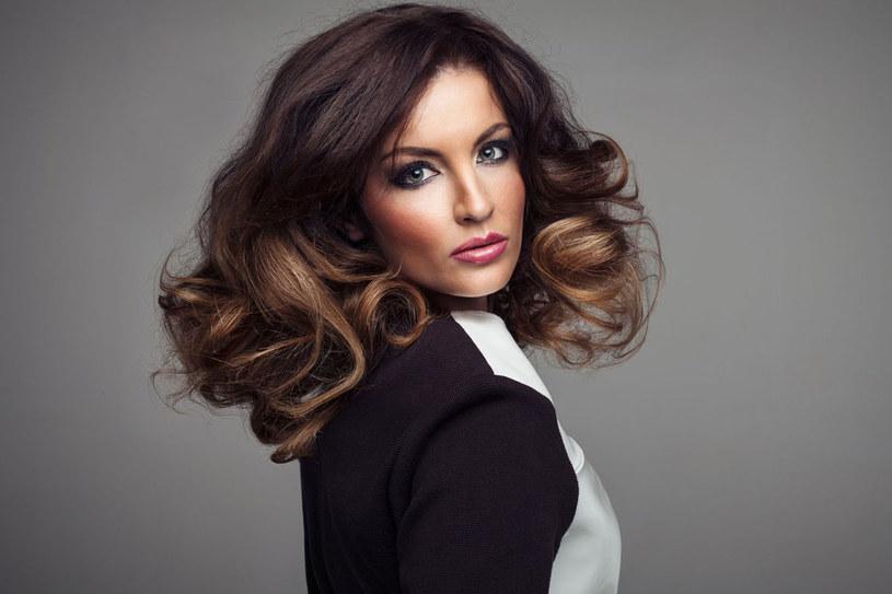 Nie każdej kobiecie pasuje ta sama długość i kształt włosów. Zawsze staraj się wybierać idealne uczesanie /123RF/PICSEL