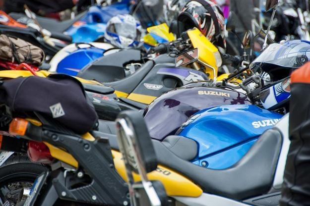 Nie kupuje się ścigacza, by nim jeździć 90 km/h... / Fot: Łukasz Grudniewski /East News