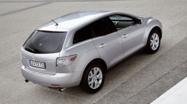 Nie ma co liczyć na małe spalanie silnika 2.3 Turbo. Instalacja gazowa do niego kosztuje aż 7 tys. zł. /Mazda