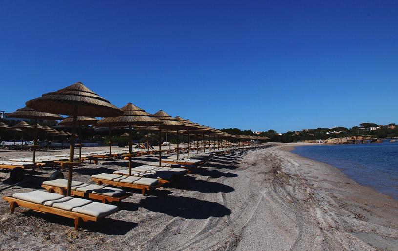 Nie ma mowy o wypoczynku bez kilkudniowego lenistwa na plaży /Getty Images