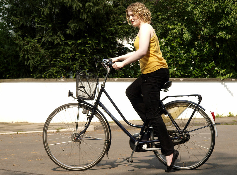 Nie masz czasu na ćwiczenia? Przesiądź się z auta na rower i jedź nim co pracy /© Panthermedia