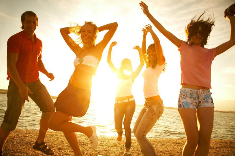 Nie miałaś czasu na zorganizowanie weekendu? Wybierz się ze znajomymi choć na chwile za miasto! /©123RF/PICSEL