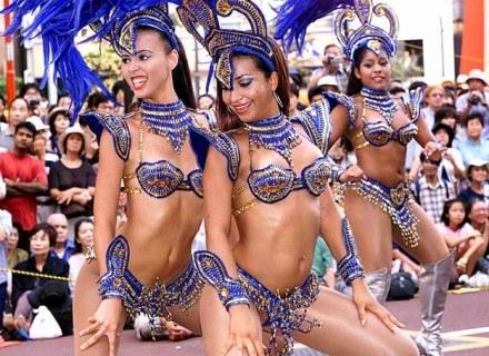Nie musisz mieć seksownego stroju, aby tańczyć jak brazylijska tancerka /AFP