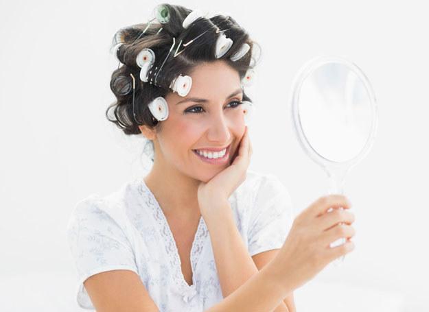 Nie musisz spędzać godzin przed lustrem, by wyglądać imponująco /123RF/PICSEL