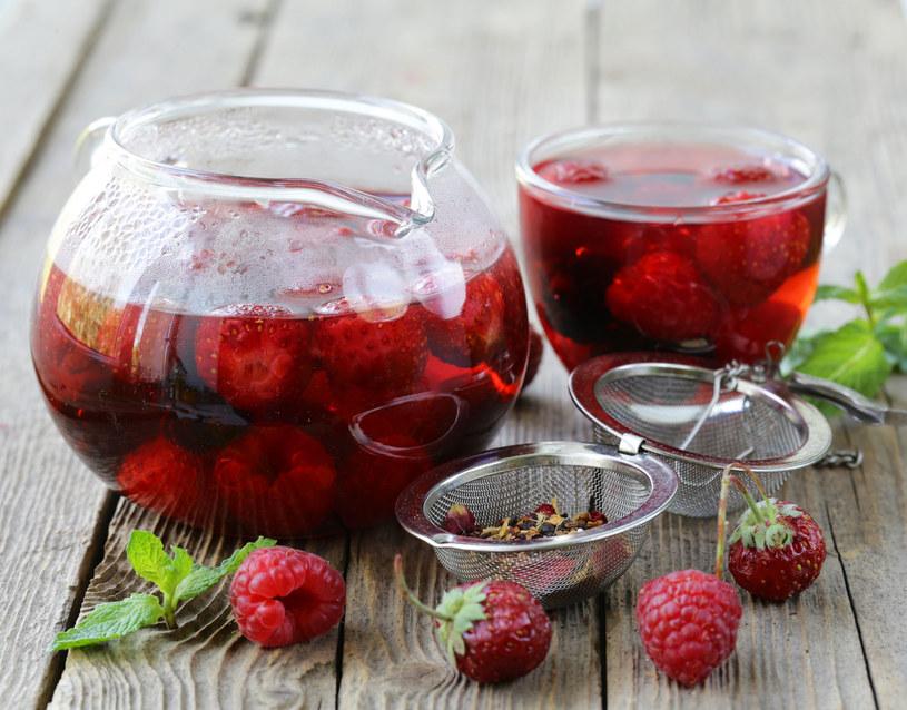 Nie należy pić herbaty z liści malin przed 34 tygodniem ciąży /©123RF/PICSEL