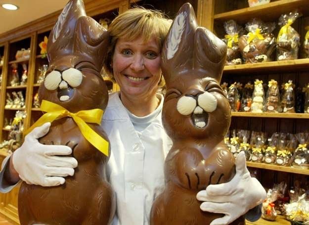 Nie przesadź - 100 g.czekolady to 500 kalorii! /AFP