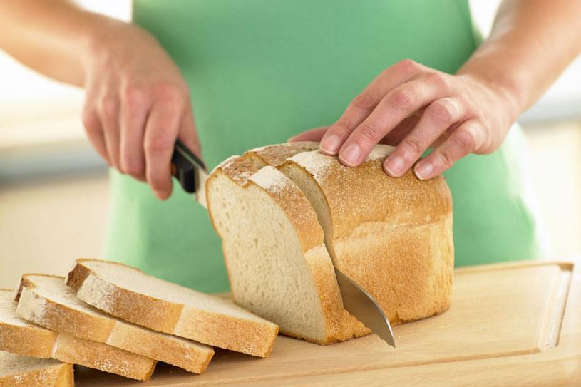 Nie rezygnuj z glutenu, jeśli nie masz alergii lub celiaklii . Ogranicz za to spożycie białej mąki. To ona tuczy, nie gluten! /123RF/PICSEL