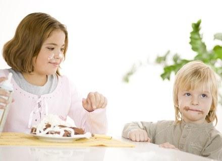 Nie rezygnuj z serwowania malcowi słodyczy, jednak rób to z rozwagą