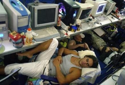 Nie śpij, bo cię okradną! /AFP