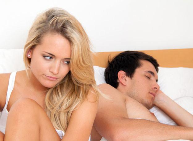 Nie umiem sypiać z niewiernym mężem /©123RF/PICSEL