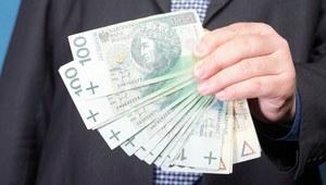 Nie we wszystkich państwowych spółkach ścięto królewskie pensje