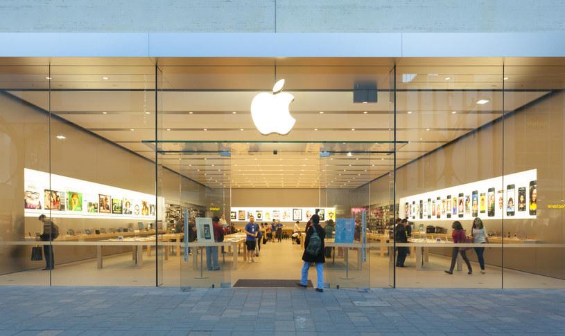 Nie wiadomo kiedy zapasy iPhone'a 7 Plus zostaną uzupełnione /123RF/PICSEL