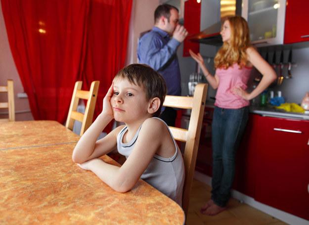 Nie wiedzieliśmy, że nasze kłótnie mają taki wpływ na syna... /©123RF/PICSEL