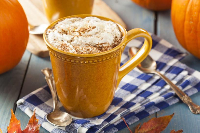 Nie wyobrażasz sobie życia bez kawy? Sprawdź, co mówi o tobie ten nałóg! /123RF/PICSEL