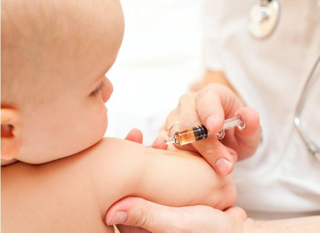 Nie zapomnij o obowiązku szczepienia. /©123RF/PICSEL