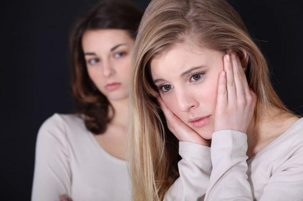 Nie zawsze ma się dobre relacje z rodzeństwem męża /123/RF PICSEL