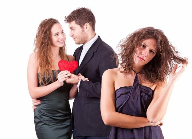 Nie zazdrość koleżankom. Sama zadbaj o własne szczęście /©123RF/PICSEL