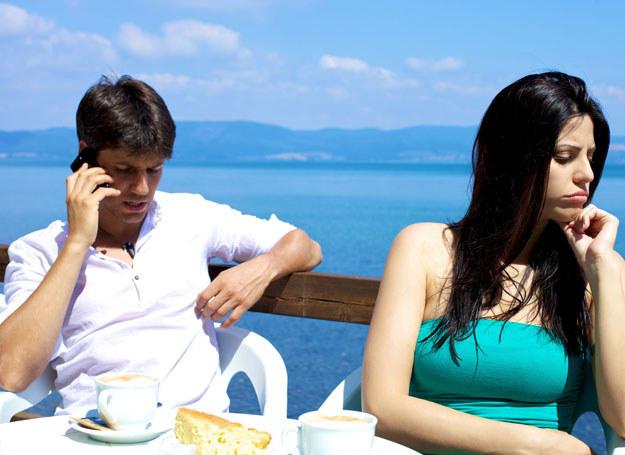 Nie zmarnuj urlopu na kłótnie. O tym, co ci przeszkadza, porozmawiaj spokojnie po powrocie /123RF/PICSEL