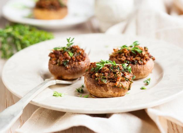 Niebanalne danie ze zwykłych pieczarek. /©123RF/PICSEL