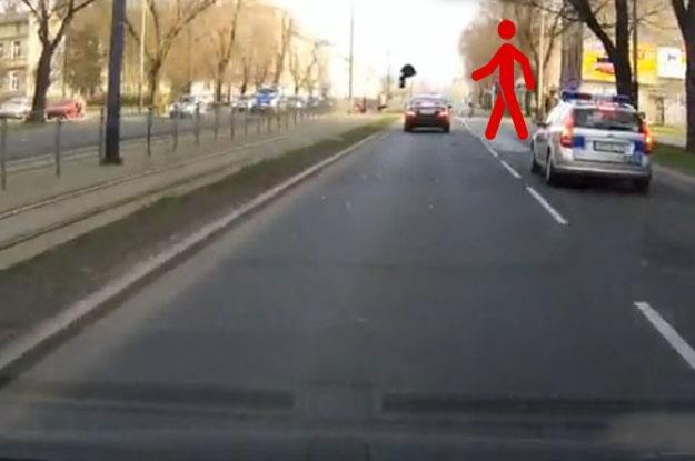 Niebezpieczna sytuacja na drodze /