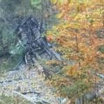 Niebezpieczny wypadek w Katowicach. Tir spadł z wiaduktu