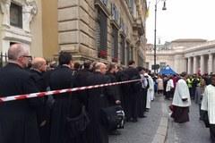 Niedzielny poranek w Watykanie