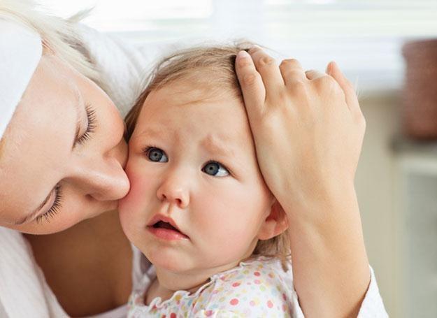 Niektóre choroby zakaźne, takie jak np. ospa, sprawiają, że przez kilka tygodni dziecko może mieć sł /© Panthermedia