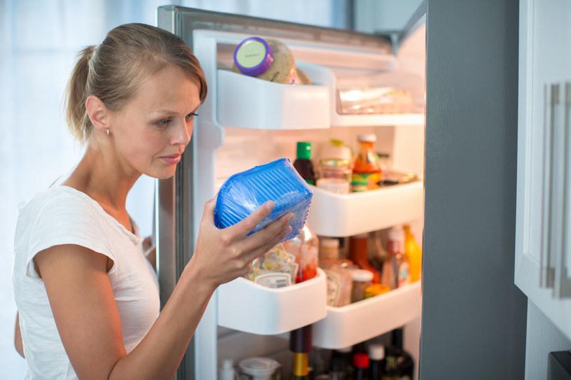 Niektóre produkty tracą na wartości, jeśli przechowujesz je w lodówce /123RF/PICSEL