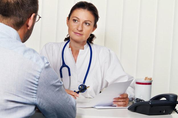 Niektórzy lekarze zapowiadają, że od 2018 r. przestaną wypisywać e-zwolnienia lekarskie /© Panthermedia