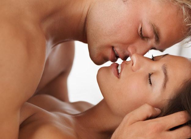 Nieleczone mięśniaki mają wpływ na życie seksualne kobiety /©123RF/PICSEL