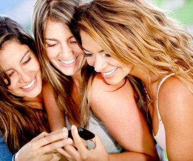 Nielimitowane rozmowy i SMSy do wszystkich sieci w ofercie Play