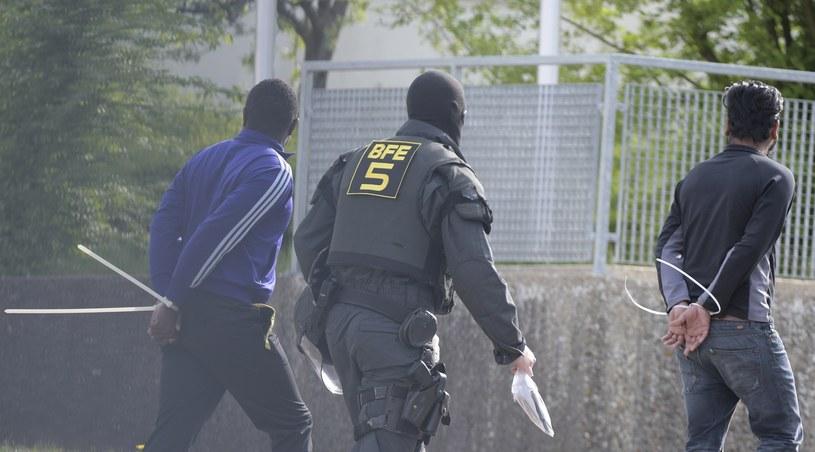 Niemcy grożą krajom odmawiającym przyjmowania uchodźców /Stefan Puchner / dpa /East News