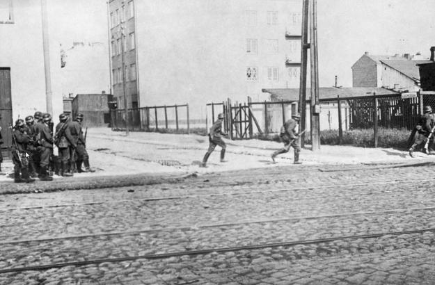 Niemcy na ulicy Grójeckiej (zdjęcie ilustracyjne) /Z archiwum Narodowego Archiwum Cyfrowego