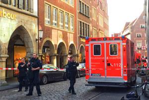 Niemcy: Samochód wjechał w tłum ludzi
